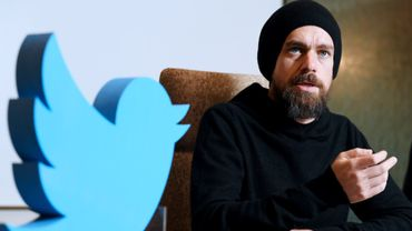 Jack Dorsey, le PDG de Twitter, se moque ouvertement du nouveau logo de Facebook