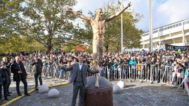 Zlatan Ibrahimovic inaugure une statue à son effigie dans sa ville natale de Suède