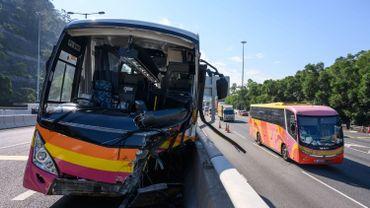 Hong Kong: 5 morts et 31 blessés lors d'une collision entre un car et un taxi
