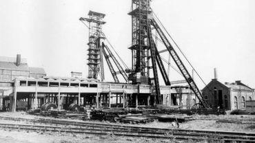 La Ville de Charleroi a rendu mardi un avis défavorable par rapport à la démolition de deux châssis à molette, ces tours emblématiques qu'on retrouve dans de nombreux charbonnages.