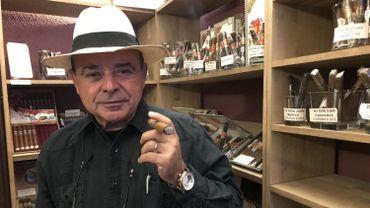 En véritable passionné de cigares, Benjamin Manca les choisit directement en République dominicaine.