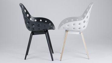 Sander Mulder propose une assise très design, ergonomique et confortable.
