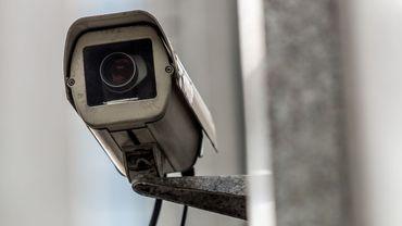 Rues, stations de métro, gares, les caméras de surveillance sont de plus en plus nombreuses à Bruxelles comme dans toutes les grandes villes.