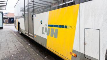 Environ un bus de la compagnie De Lijn sur trois a pris la route, lundi matin, au sud-ouest du Bruxelles.