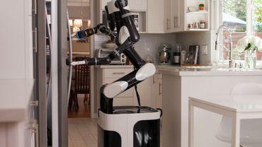 Le Toyota Research Institute (TRI) enseigne à des robots comment effectuer des tâches ménagères.