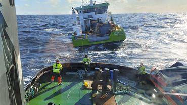 Norvège : le cargo néerlandais à la dérive remorqué vers le portd'Ålesund