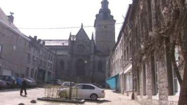 Une des églises taguées à Couvin
