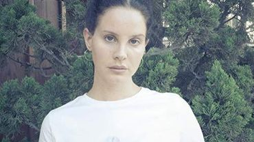 """Lana Del Rey dévoile """"Mariners Apartment Complex"""", extrait d'un album à paraître en 2019."""