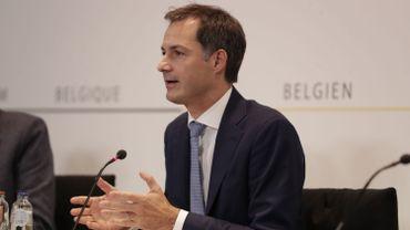 Coronavirus en Belgique : l'horeca n'est pas incriminé mais doit fermer pour réduire les contacts sociaux, affirme le Premier ministre
