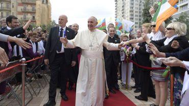 Les catholiques de ce petit pays à la population musulmane dans son immense majorité, au bord de la mer Caspienne, ne sont que 570 selon le Vatican, dont 200 nationaux, et leur unique paroisse ne compte que sept prêtres.