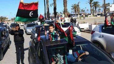 Les Libyens célèbrent le 2e anniversaire du début de la révolte qui a renversé le dictateur Mouammar Kadhafi, le 15 février 2013 à Tripoli