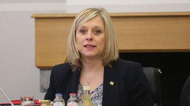 La ministre wallonne PS Éliane Tillieux, poursuit la réforme inscrite dans le Pacte pour l'Emploi et la Formation.
