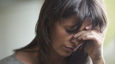 Des chercheurs analysent les facteurs susceptibles de transformer la migraine épisodique en migraine chronique.