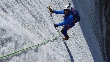 Cette photo d'Eric Woerth en pleine séance d'alpinisme affole l'internet