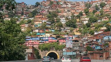 Coronavirus: un maire vénézuelien marquait les maisons de malades du Covid-19