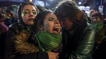 Des militantes manifestent à Buenos Aires après le rejet au Parlement de la loi sur la légalisation de l'avortement, le 9 août 2018 en Argentine