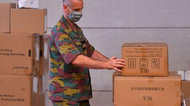 Coronavirus: ces masques de la Défense, fournis par Avrox, qui ont tant d'histoires à raconter