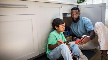 """Les enfants apprennent plus facilement au contact d'une personne qu'ils jugent """"fiable""""."""