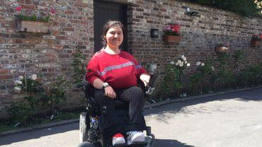 Sureyya Arife Pamuk dénonce le manque d'accessibilité des bus du TEC pour les personnes handicapées.