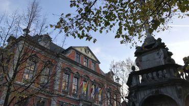 Vote unanime, à l'hôtel de ville de Liège sur l'hospitalité aux migrants