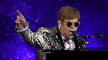 """Elton John annonce une """"dernière"""" tournée longue de trois ans"""