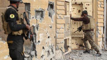 Des soldats des forces d'élite antiterroristes irakiennes au cours des opérations menées ce dimanche à Ramadi.