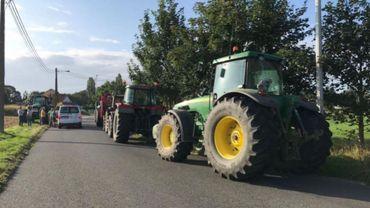 Tracteurs sur la N25: Valérie De Bue casse la décision de Carlo Di Antonio
