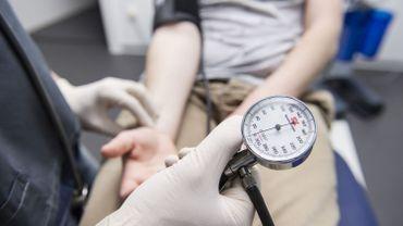 """Ne pas limiter le nombre de médecins étrangers """"aura des conséquences pour les patients"""" dénonce l'Unécof"""