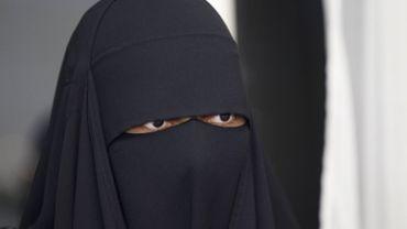 Interdiction de la burqa aux Pays-Bas: accusé d'islamophobie, un quotidien néerlandais déchaîne les réseaux sociaux