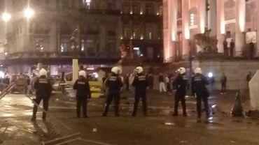 Échauffourées à Bruxelles: la police prendra les critiques en compte