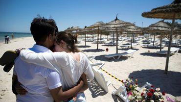 Photo prise le 27 juin 2015 sur une plage de Sousse, dans l'est de la Tunisie, au lendemain d'un attentat contre des touristes