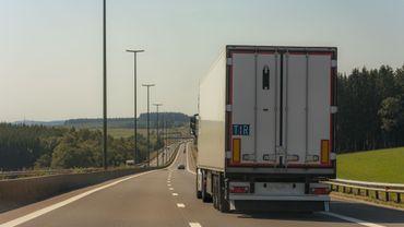 Un camion dans les Ardennes.