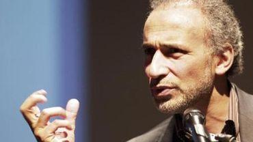 """Tariq Ramadan reconnaît """"une relation"""" avec une des plaignantes"""