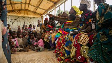 Des Congolais fuyant le conflit dans l'est de la RDC.