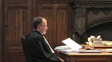 """Le procureur général Catrice demande le renvoi de tous les inculpés en correctionnelle, mais """"pourrait ne pas s'opposer"""" à l'une ou l'autre suspension du prononcé"""
