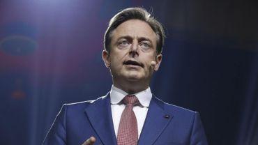 Bart De Wever remet de l'huile sur le feu sur Twitter dans le dossier de la Catalogne