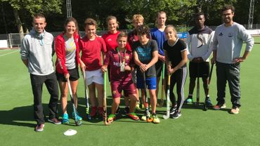 Anouck Raes est venue encourager la section hockey de l'Institut Provincial des Arts et Métiers de Nivelles.