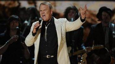 Le chanteur et guitariste américain de musique country Glen Campbell