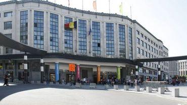 Une action a lieu ce mercredi matin devant la gare centrale de Bruxelles pour sensibiliser les citoyens aux cadeaux fiscaux faits par le gouvernement fédéral à une série de multinationales (illustration).
