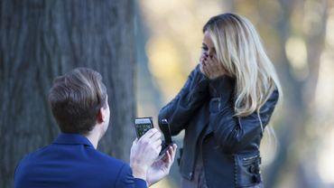 Une coque pour smartphone spéciale demande en mariage
