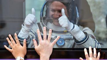 L'astronaute de la Nasa Serena Aunon-Chancellor, à bord d'un bus avant le lancement du Soyouz vers la Station spatiale internationale, le 6 juin 2018 à Baïkonour, au Kazakhstan