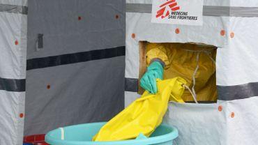 Des médecins belges alertent: l'Occident doit intervenir contre Ebola