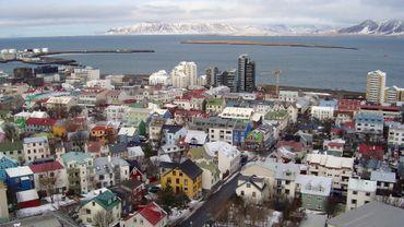 En Islande, une personne sur deux testée positive au Covid-19 est asymptomatique et en Belgique?