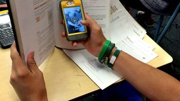 Faut-il interdire le smartphone à l'école?