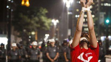 Sao Paulo: la police disperse une manifestation avec des gaz lacrymogènes