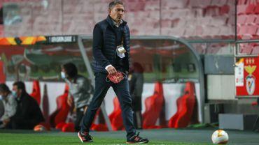 Sondage : Que doit faire Philippe Montanier en Europa League ?