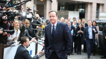 """Le Premier ministre britannique David Cameron a promis qu'il allait """"se battre"""" jeudi lors des débats avec ses homologues européens, à son arrivée à un sommet européen à Bruxelles."""