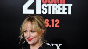 """Dakota Johnson sera Anastasia Steele dans """"Cinquante nuances de Grey"""", le film tiré des romans d'EL James à sortir en février 2015"""