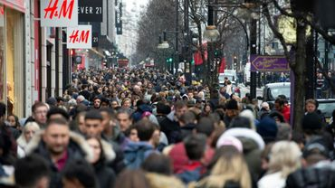 Une foule dans les rues de Londres le 26 décembre 2018
