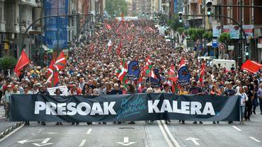 Des manifestants demandent le retour à la maison des prisonniers de l'ETA, dans les rues de Bilbao, dans le nord de l'Espagne, le 21 avril 2018